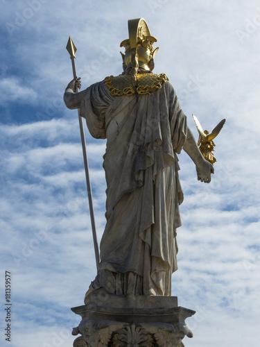 Tuinposter Standbeeld austria, vienna, parliament
