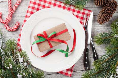 Christmas dinner table setting - 181375308