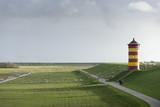 Deutschland,Niedersachsen,Krummhörn, der Leuchtturm von Pilsum. - 181385120