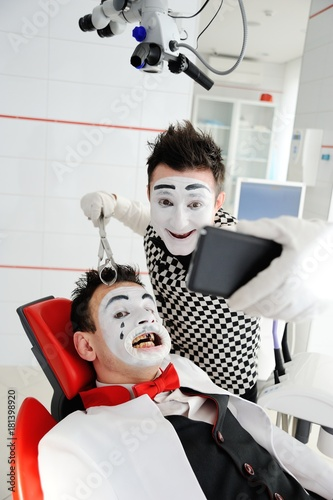 Two mimes in dentistry Poster