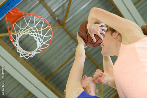 Plexiglas Basketbal Women playing basketball