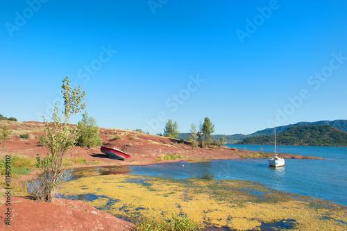 Plagát Lac du Salagou in France