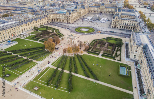 In de dag Parijs Aerial view of Louvre museum, Paris, France