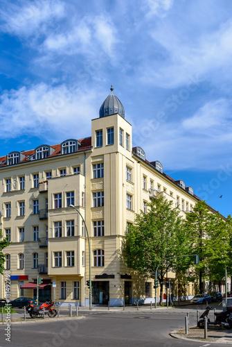 In de dag Berlijn Renoviertes Eckhaus mit Schmuckfassade in Berlin-Prenzlauer Berg