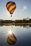 Balão de Ar quente em ponte de sor - 181598512