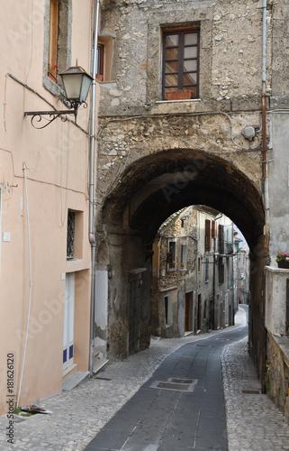 Tuinposter Smal steegje Vie e vicoli di Trevi nel Lazio - Frosinone - Lazio - Italia