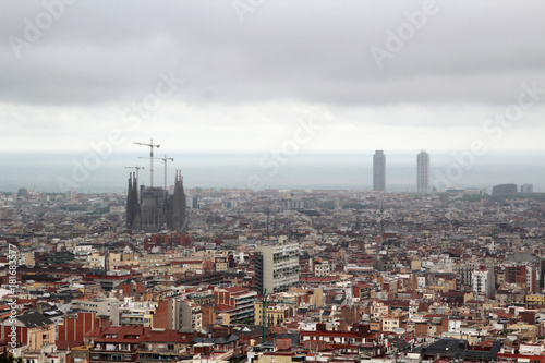 In de dag Barcelona A panoramic view of Barcelona from Guell Park