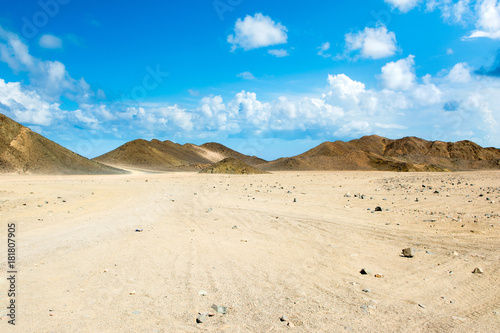 Tuinposter Beige Landscape of the Arabian desert