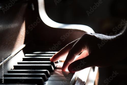 piano music - 181841150