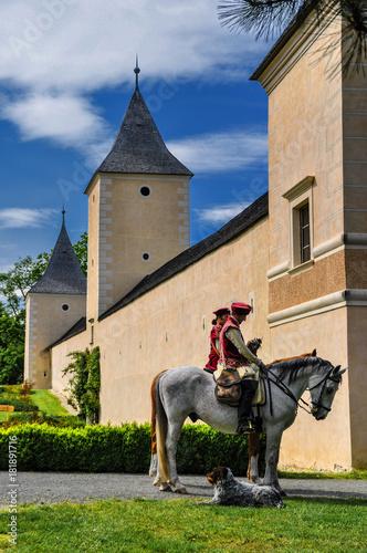 Falkner zu Pferd auf der Roseburg Poster