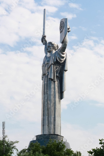 In de dag Kiev The statue of the Mother Motherland in Kiev