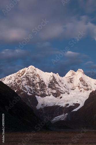 Poster Chocoladebruin Sunrise Cordillera Huayhuash