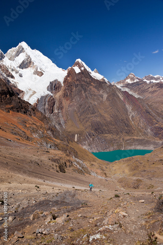 Fotobehang Nachtblauw Cordillera Huayhuash