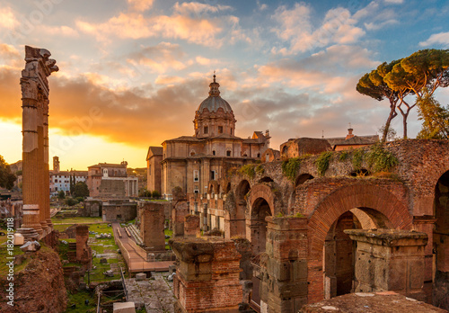 Fridge magnet Rome and Roman Forum in Autumn (Fall) on a sunrise with beautiful stunning sky and sunrise colors