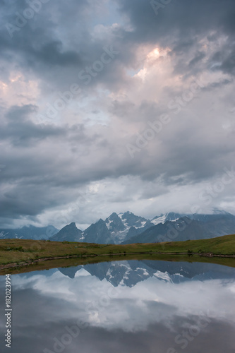 Foto op Aluminium Donkergrijs Landscape with lake in mountains