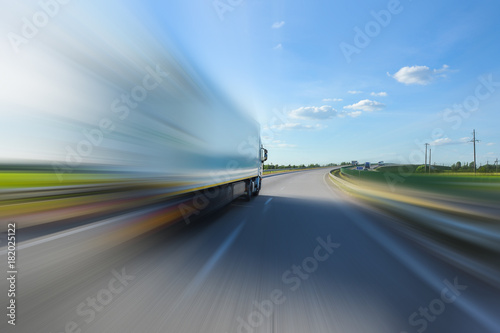 Track in motion blur