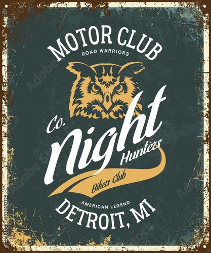 Plexiglas Uilen cartoon Vintage bikers club t-shirt vector logo on dark background. Detroit, Michigan street wear superior retro tee print design.