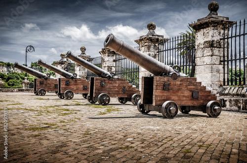 In de dag Havana guns of La Havana fortress,Cuba