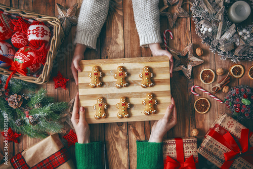 Fototapeta Christmas family traditions