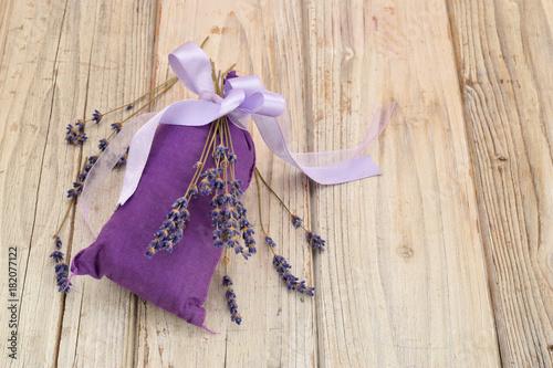 Fotobehang Lavendel lavendel getrocknet im sack