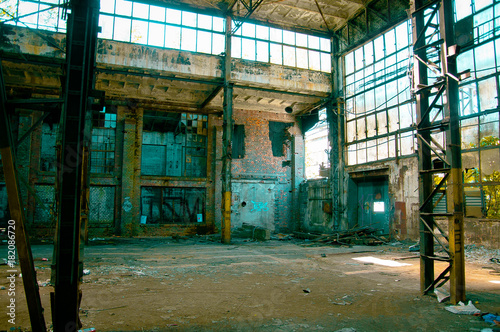 Foto op Aluminium Oude verlaten gebouwen Old abandoned factory