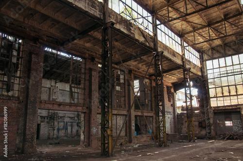 Plexiglas Oude verlaten gebouwen Old abandoned factory