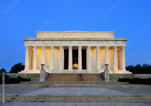 Poster Lincoln Memorial at Dawn