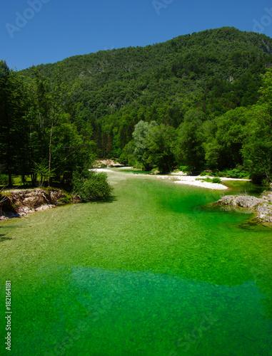 Papiers peints Vert Landscape a river