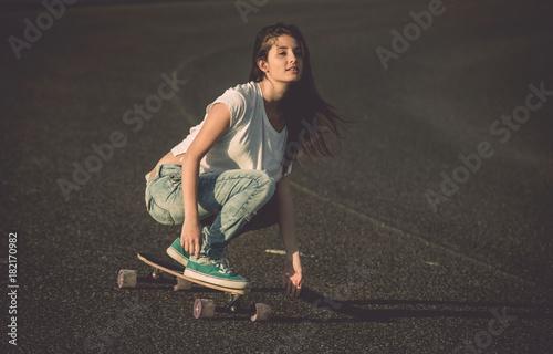 Aluminium Skateboard Skater Girl