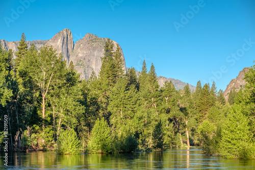 Poster Blauw Merced River landscape in Yosemite