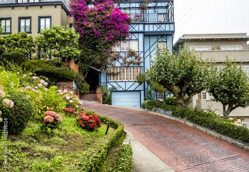 Plexiglas San Francisco Lombard Street, known as crooked street on the August 17th, 2017 - San Francisco, California, CA, USA