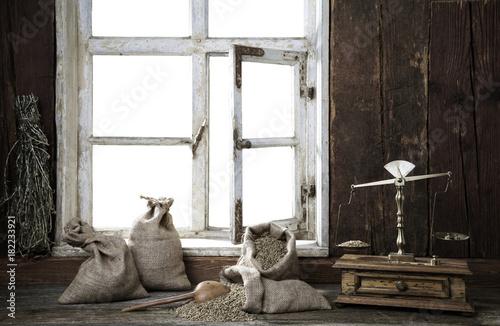 Bauernstube, Blick durch das Fenster - 182233921