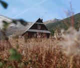 Chatka na hali Gąsienicowej w Tatrach