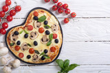 Italian pizza heart - 182333526