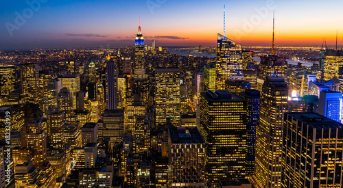 In de dag New York New York Skyline Manhatten Cityscape Empire State Building from Top of the Rock Sunset