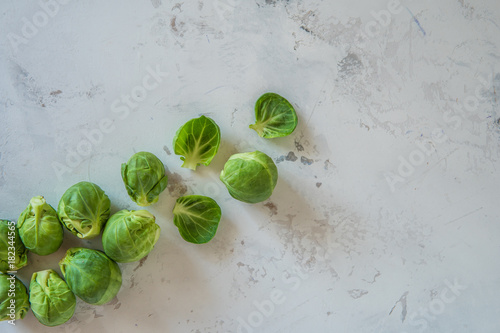 Papiers peints Bruxelles Fresh Brussels sprouts on a white background top view