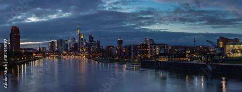 Keuken foto achterwand Panoramafoto s Frankfurt Main River Skyline Panorama