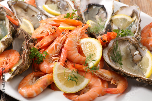 Papiers peints Kiev close up on seafood platter