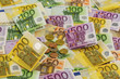 many different euro bills