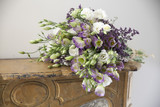 Bouquet sur cheminée. - 182419919