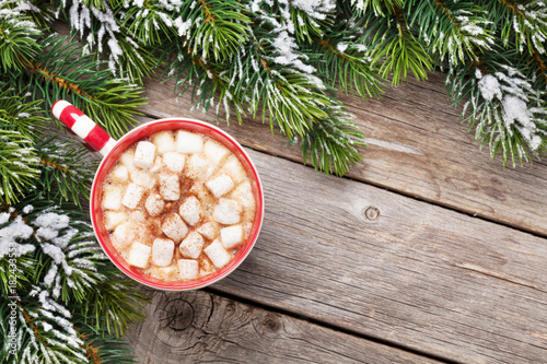 Tuinposter Chocolade Christmas fir tree and hot chocolate