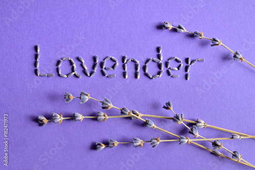 Aluminium Lavendel Dry lavender flowers with text