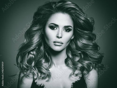 Foto op Canvas Kapsalon Beautiful woman with long brown hair