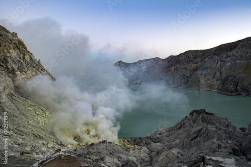 Staande foto Bali Bali Volcano Agung Ijen flames erupting