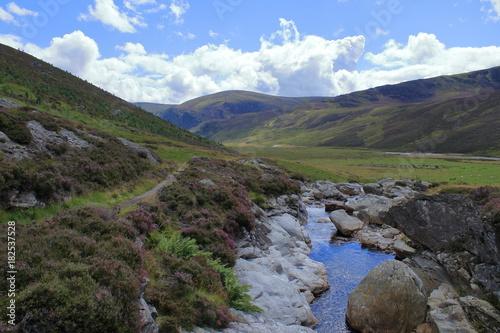 Fotobehang Bergrivier highlands
