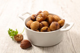 bowl of chestnut - 182538543