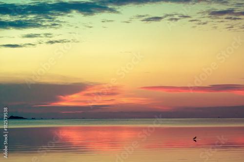 Deurstickers Zee zonsondergang Beautiful sea sunset