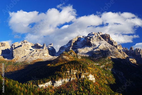 Foto op Canvas Zwart Alpine landscape in the Brenta Dolomites, Italy, Europe