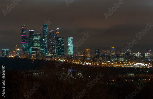 Foto op Canvas Moskou November 4, 2017 Moscow, Russia. View of the business center of Moscow City from the Sparrow Hills at night.
