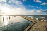 Blick nach Stralsund von Altefähr auf Insel Rügen in Deutschland - 182672535